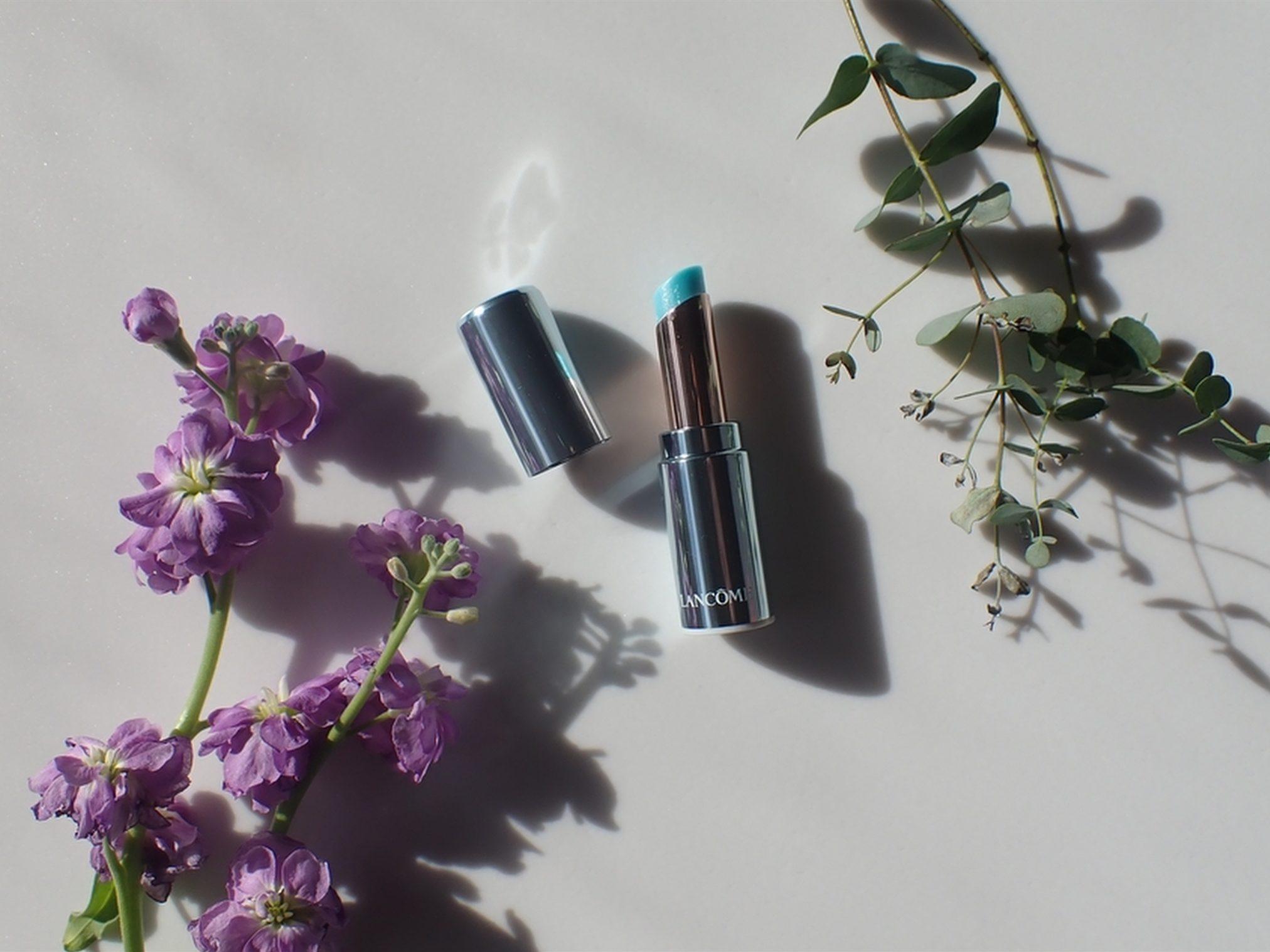 株式会社Crunch Style お花の定期便 Bloomee LIFE ブルーミーライフ 2週間目 複数のお花が入っているから色んな雰囲気で撮影小物に使って写真を撮れる