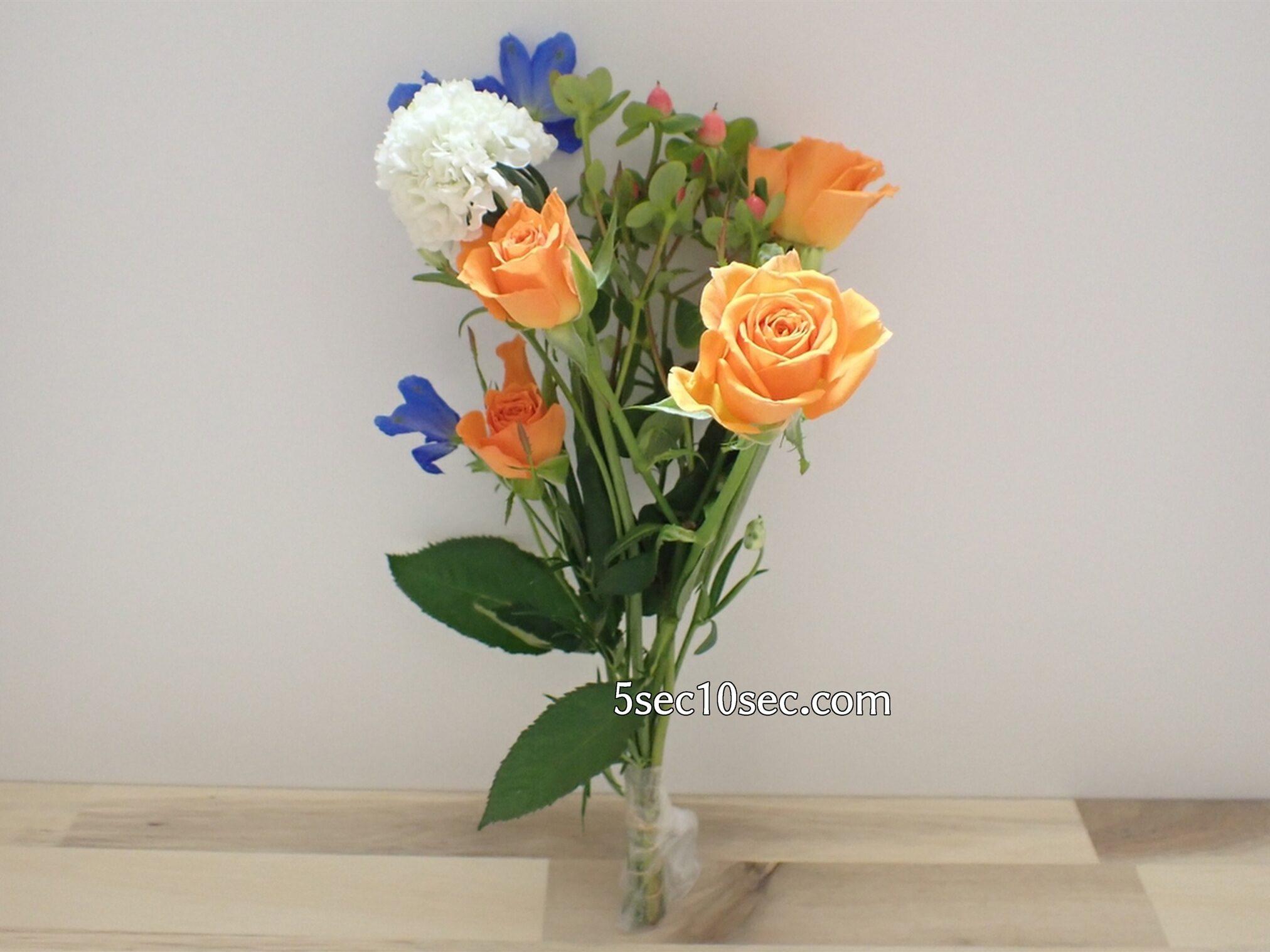 Bloomee LIFE(ブルーミーライフ)レギュラープラン 今週のお花 根元は保水剤で守られているので、その日にお手入れすれば時間を気にしなくて大丈夫です