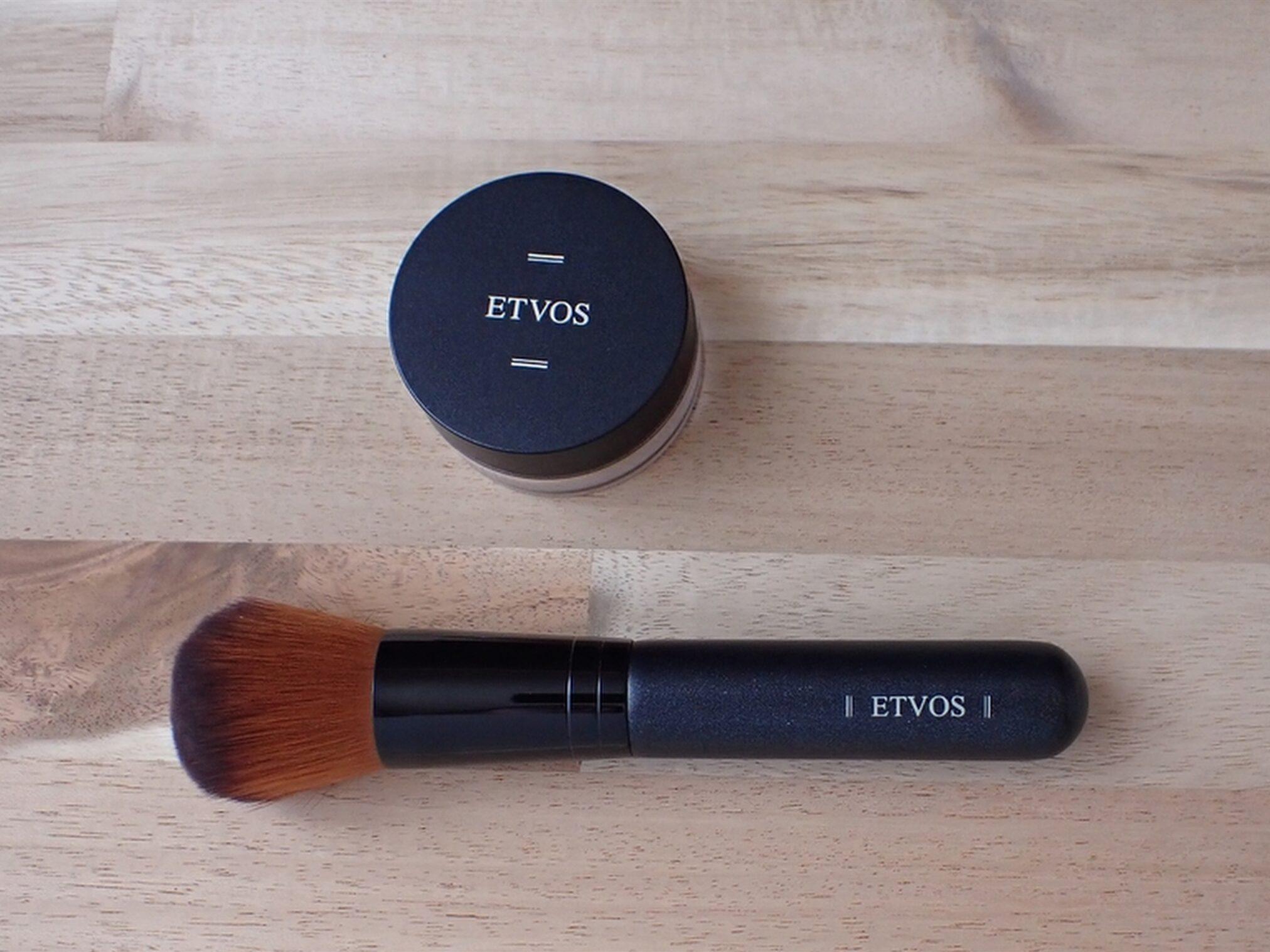 エトヴォス ETVOS パーフェクトキット マットスムースミネラルファンデーション フェイスカブキブラシで馴染ませて使います