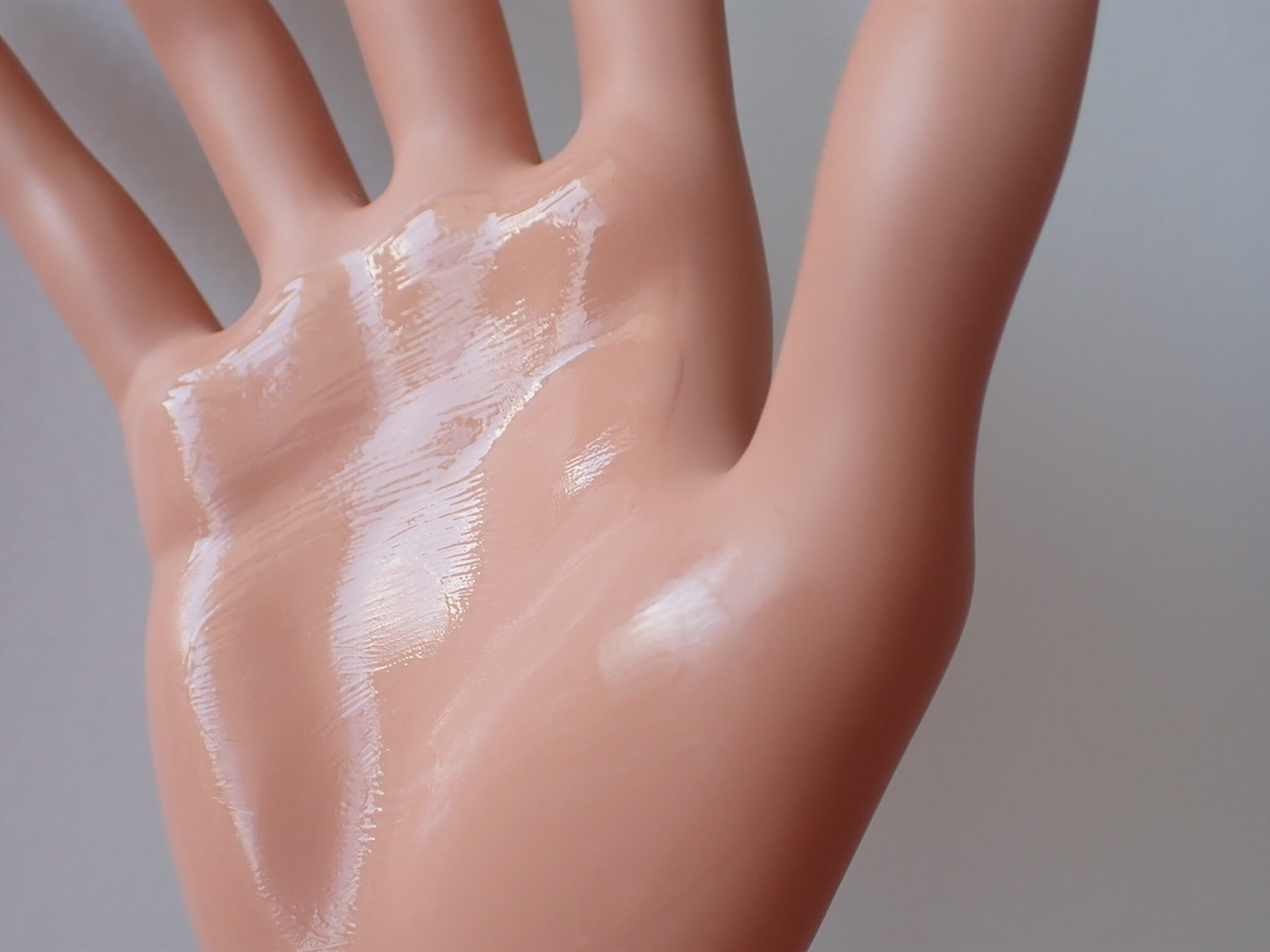 エトヴォス パーフェクトキット アルティモイストセラム 10ml 軽いけど、しっとりもっちりした質感を持つ乳液兼美容液です